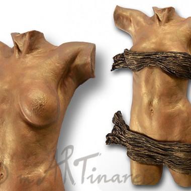Frauentorso in Bronze-Gold mit einer abnehmbaren Draperie