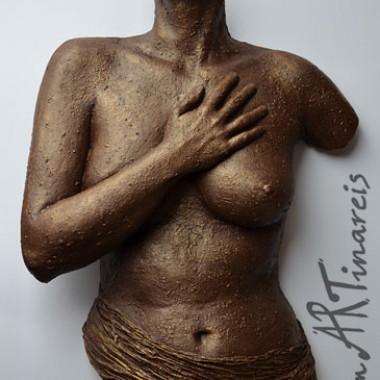 Frauentorso mit Hand und halbem Gesicht, rauh, Bronzeoptik