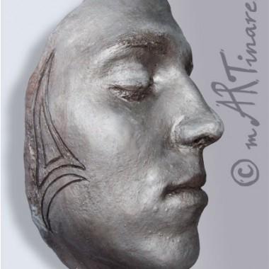 -Mirko- Gesichtsabformung in Silber-Optik mit Gravur