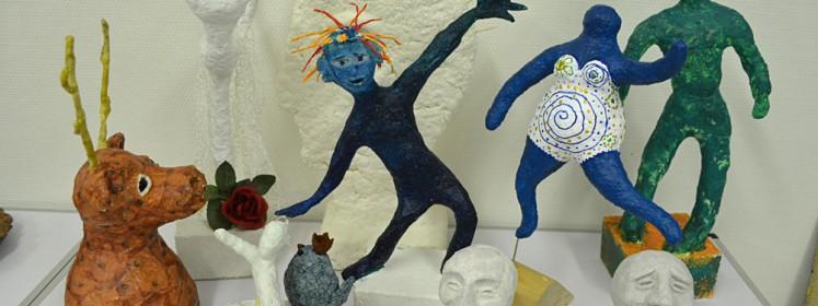 Figuren aus Pappmaché, Arbeiten aus dem Workshop in der Kunstwerstatt Bad Münder