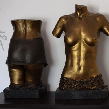 Torso und Po aus Gips in Bronzeoptik mit Draperie (fest)