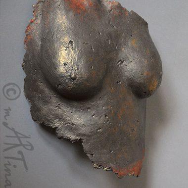 Brust - Abformung mit Pappmaché, Steinoptik