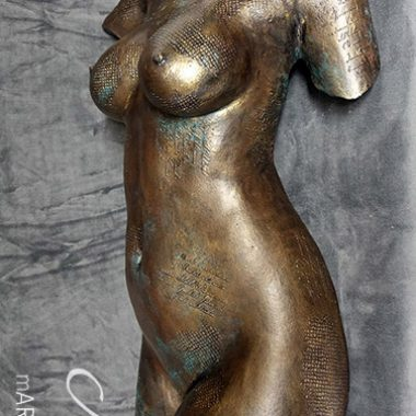 Torso in bronze Optik, patiniert