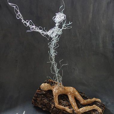 Aufbruch der Seele - Pappmache/Holz/Draht