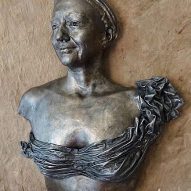 Frauentorso mit Gesicht und abnehmbarer Draperie - silber-braun