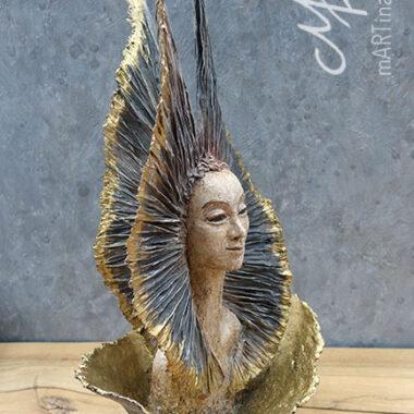 `Königin des Lichts´- Pappmache, Eisengestell