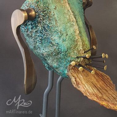 ´Komischer Vogel´- Detail, Pappmaché und Metalle